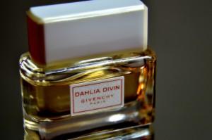 perfume-1198519_1920