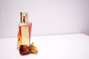 7 mental health benefits of wearing perfume